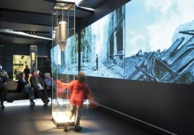 Sophisticated Exhibition-Making: When is a story not a story?